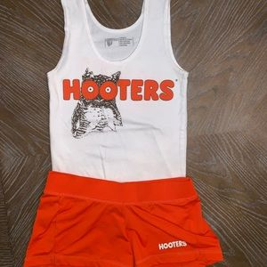 *last one* authentic hooters girl uniform 🎃